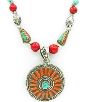 Collier ethnique corail
