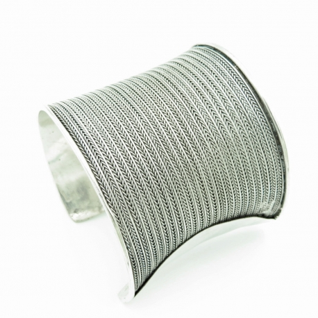 Long Threaded Cuff