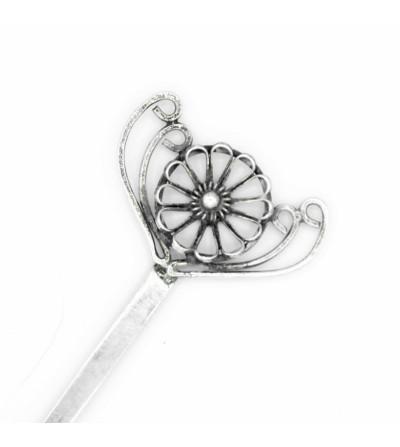 Pique fleur en fil corbeille