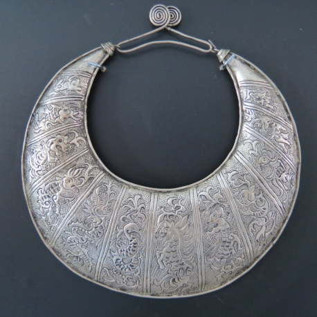 Miao zodiaque necklace